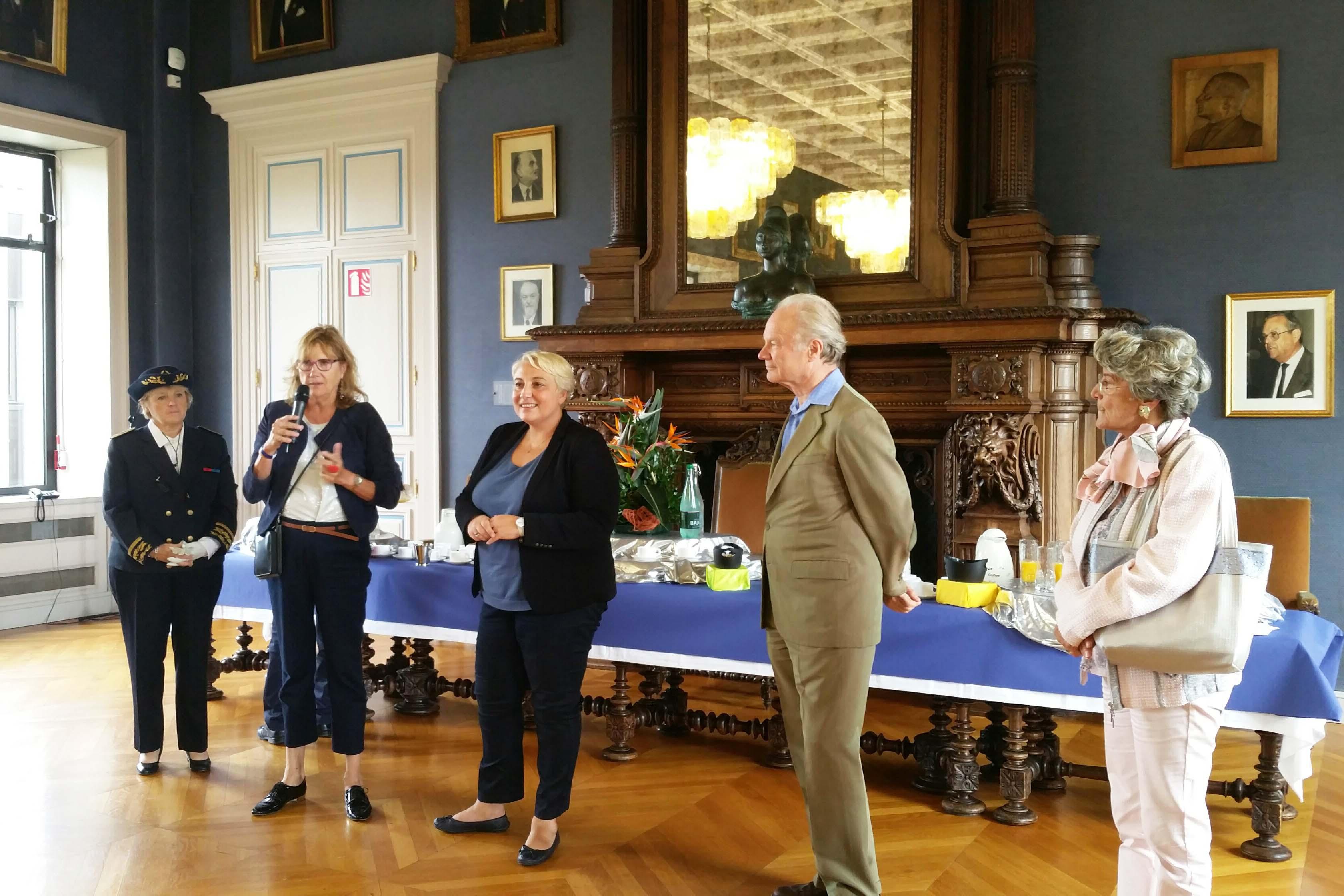 Pascale Boistard rencontre les bénévoles qui luttent contre l'isolement social